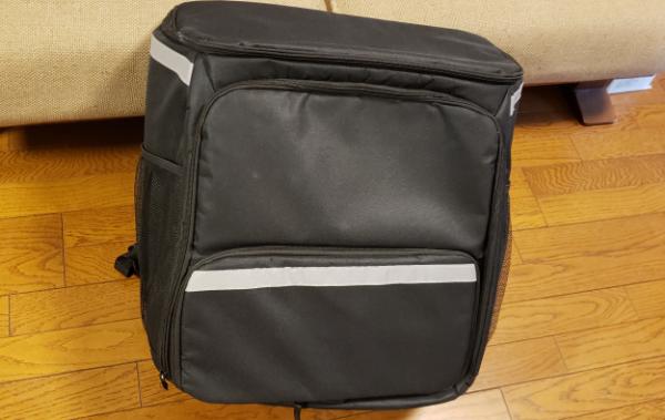 ウーバーイーツの黒い無為バッグ